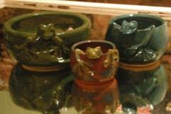 three-frog-bowls